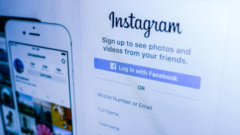 Cómo ganar dinero a través de las redes sociales
